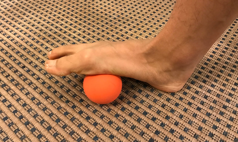 lacrosse ball foot mobilization on arch